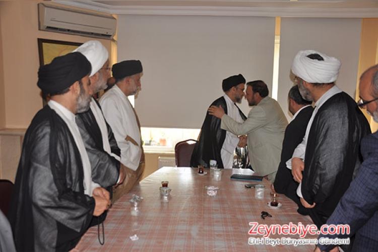 Irak Şii Vakfı Divan Başkanı Alaa Abdulsahib Hüseyin El- Musavî ve beraberindeki heyet Türkiye Caferileri Lideri Selahattin Özgündüz ve Zeynebiye Camiasını ziyaret ederek çeşitli temaslarda bulundu.