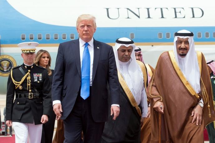 Trump'a Göre Yemen'deki Çocuk Katliamının Sebebi, ABD'nin Verdiği Bombalar Değil, Suudi Beceriksizliği