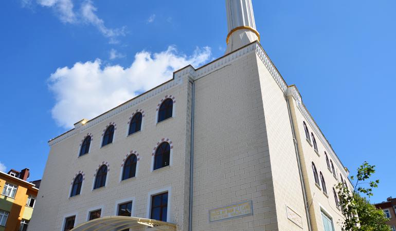 Bağcılar İmam Ali Camii İbadete Açıldı (Foto)